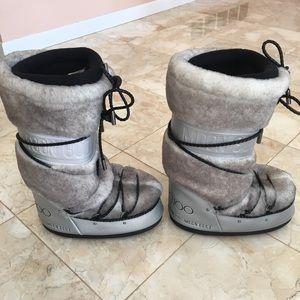 "87ced4dc3aa6 Jimmy Choo Shoes - 🎈SALE🎈Jimmy Choo ""MB Classic"" tall MOON BOOTS"